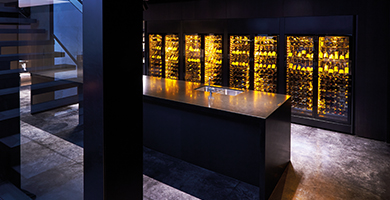 EuroCave ShowCave range - This exceptional wine cabinet will highlight your wine collection while keep them in the best conservation conditions.