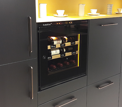 Photo galery - example of a small model wine cabinet fit in the Perene's showroom in Lyon.